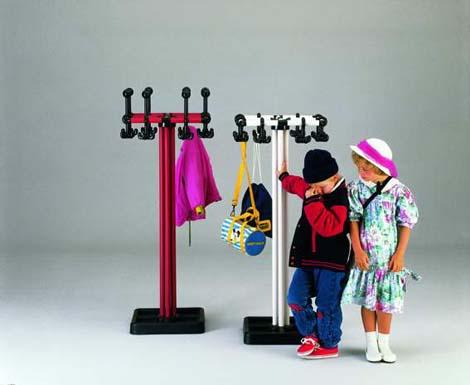 9 1 garderoben und taschenst nder f r kinder. Black Bedroom Furniture Sets. Home Design Ideas